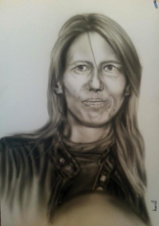 Portrait femme aérographe